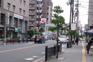 茨木市ブランドメッセージフラッグハローワーク前